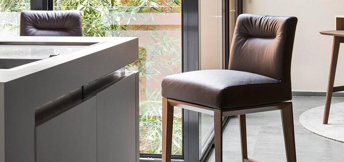 Lenzi arredamenti sedie sedie impilabili sgabelli for Lenzi arredamenti quarrata